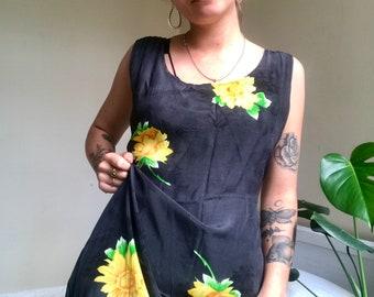 26e6e62ad3d67 Vintage Sunflower Maxi Dress // 90s Grunge Floral Sun Dress