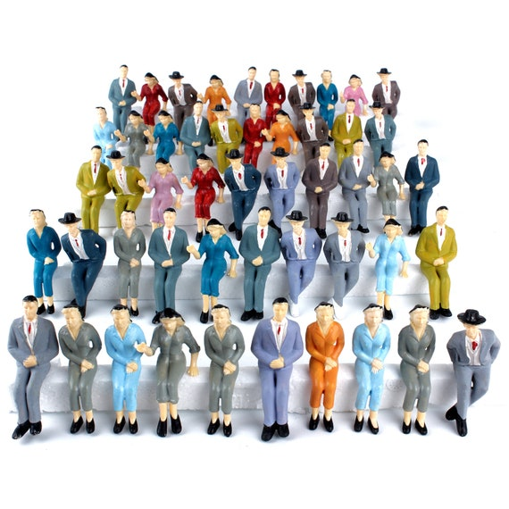 S to O Guage 10pcs 1:50 architectural scale model sitting figures for railway