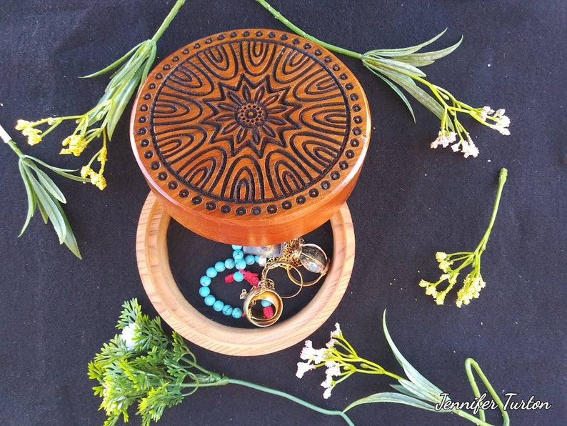 Can be personalised on bottom for an extra charge. 4 34 inch round by 3 inch deep Stash Round AROMATIC cedar Mandala box jewlery