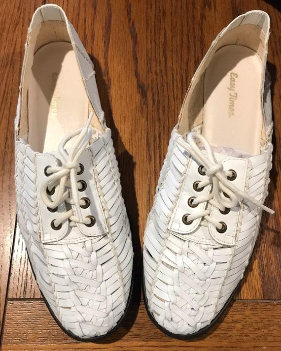 Vintage size 9 Huaraches huarache shoes Brazil Whi