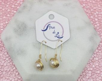 Pearl earrings, wire wrapped pearls earrings, wire wrapped earrings, dangle earrings, gold wire earrings, long earrings, long drop earrings