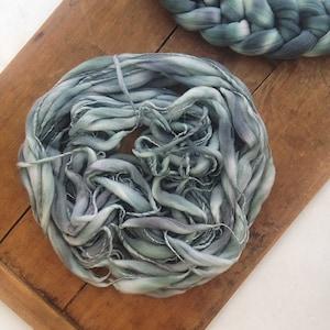 Green Gradient Thick-and-thin Handspun Handdyed yarn e Pastel color Textured Artyarn Merino wool Newborn props Chunky Blanket