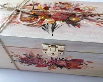 Hand drawn puma wooden box