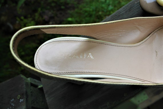Pumps leather beige lacquered open shoes vintage with buckle PRADA gift for her Size 40 EU 6.5 UK 9US 10 inches 25.5 cm