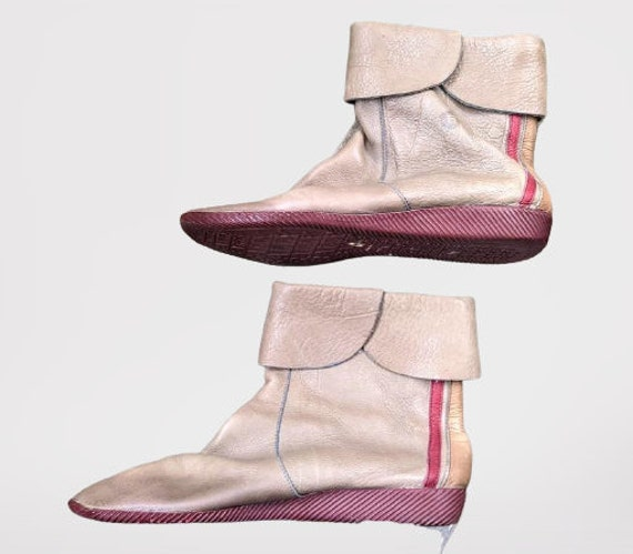 Vintage beige leather shoes ankle boots red women
