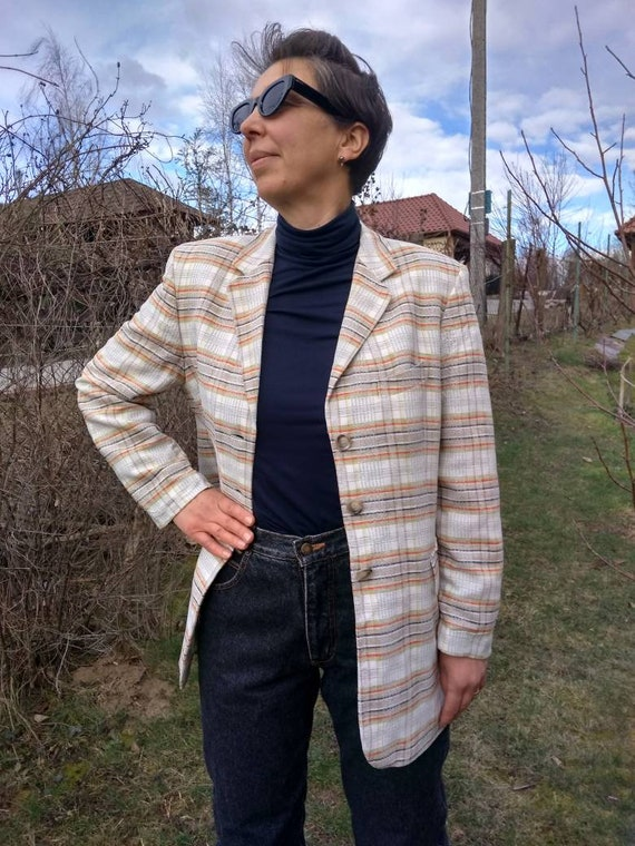 Vintage 80s plaid blazer.