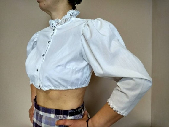 Vintage 80s dirndl  lace collar white cotton crop