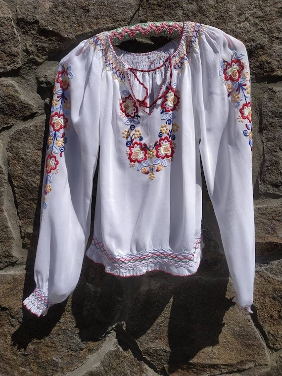 Vintage 60s, 50s Hungarian hand embroidered peasan