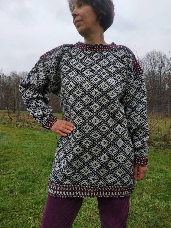 Vintage Norwegian knit sweater. Unisex Hand knitte