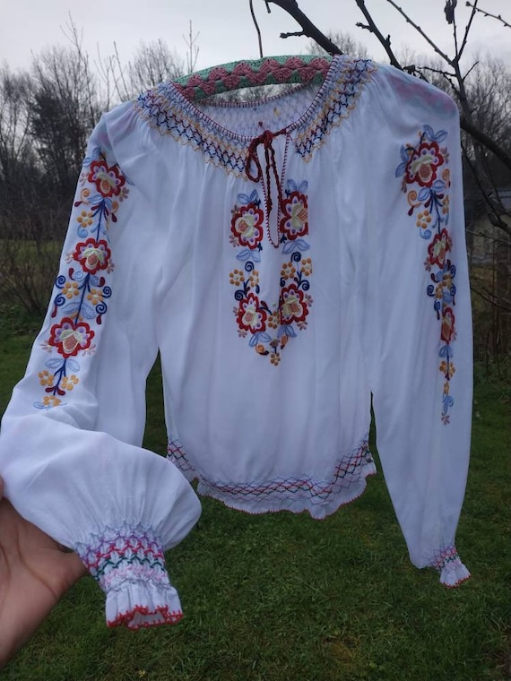 Vintage 40s, 50s Hungarian hand embroidered peasan