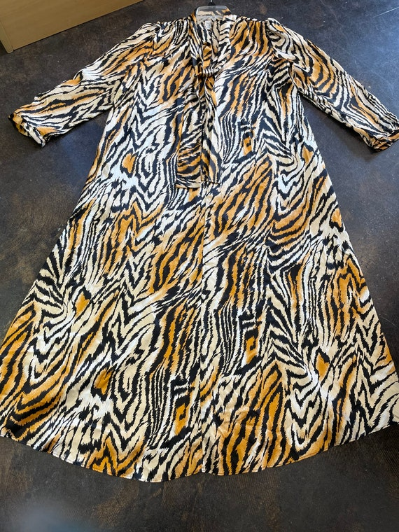 Lucie Ann Beverly Hills Tiger Print Caftan/House … - image 2