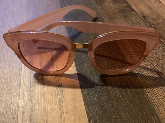 Vintage 70's Lucite W/ Gold Inlay Sunglasses/ 70's