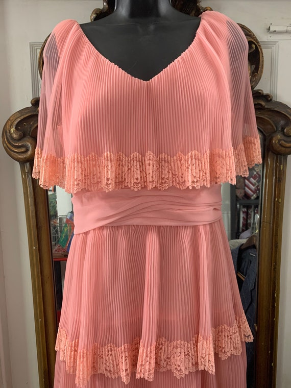 1960's-70's  Miss Elliette California Rose Tiered