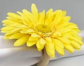 Yellow flower rustic napkin rings, Set of 4 napkin rings, modern napkin holder. formal dinner party. wooden napkin rings, mothers day brunch