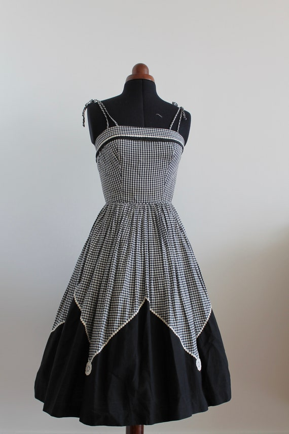 50s Spaghetti Strap Dress / 1950s Vintage Fit and