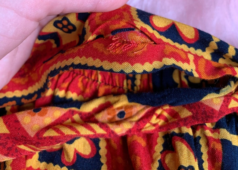 SmallExtra Small Red Orange Yellow Patterned Summer Festival Casual VINTAGE Waist Tie Patterned Shorts 1980s 1990s