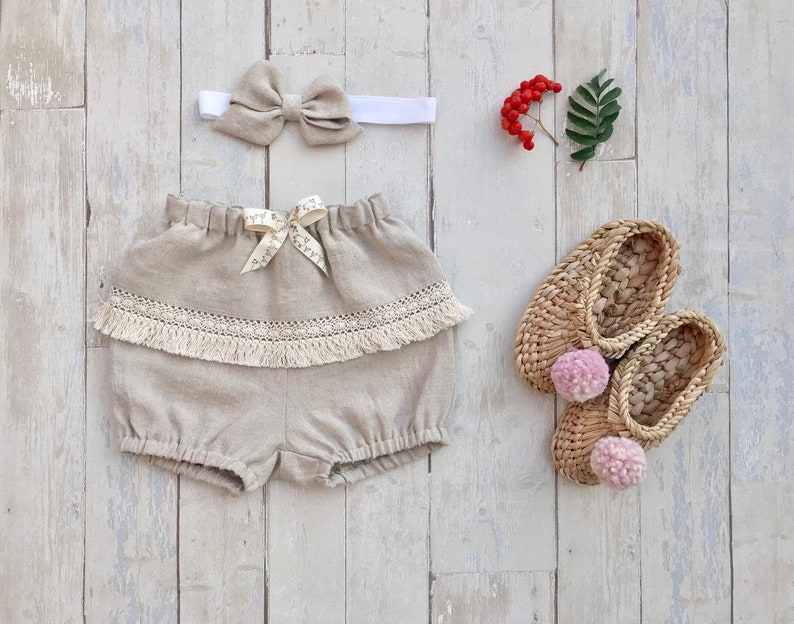 Boho bloomers baby girl 1st birthday natural linen shorts girl diaper covers smash cake outfit soft rustic linen bloomers with fringes