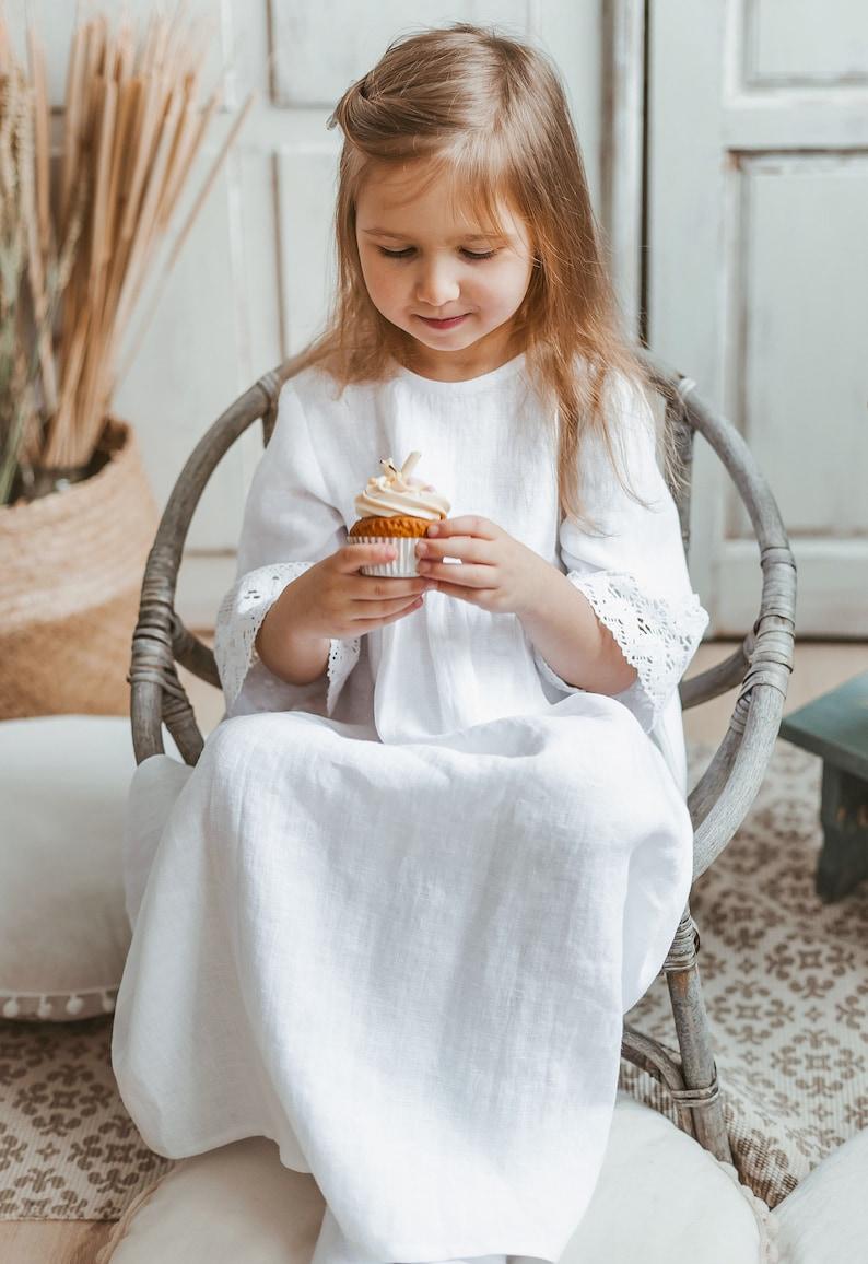 White Flower girls dress Linen white dress for a girl Wedding girl dress with lace
