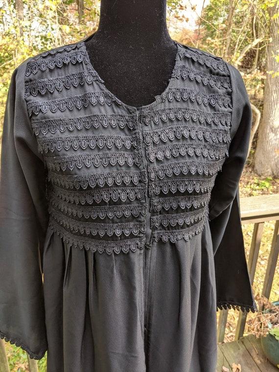 Vintage dressing gown/vintage gothic bathrobe/Blac