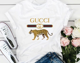 d8eceeed Gucci T-shirt Gucci Unisex T-Shirt Gucci Vintage T-Shirt High Quality T- Shirt For Men Women Kids Gucci Vintage Logo Design Inspired LA0056