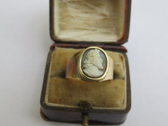 VICTORIAN 14CT GOLD CAMEO ring