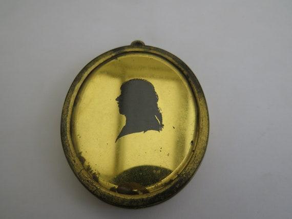 18TH CENTURY VERRE EGLOMISE miniature silhouette