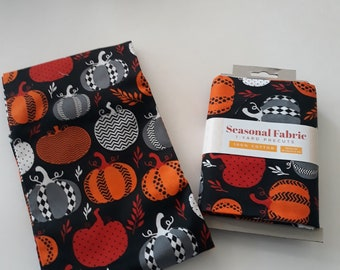 Halloween Fabric - Pumpkin fabric - Pumpkins on Black