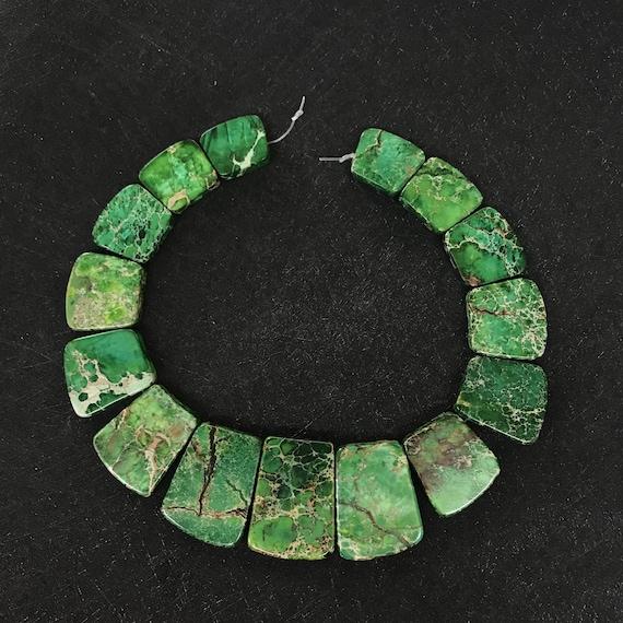15PCS strand Green Impression Terra Jasper Graduated Focal Slab Beads Pendants,Smooth Emperor Stone Trapezoid Shape Statement Necklace