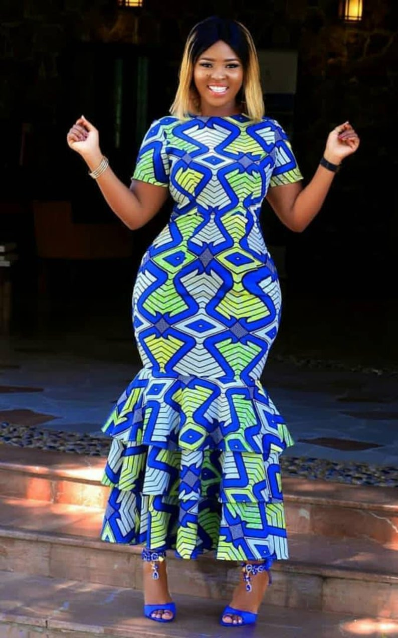 African fit and flair gown,curvy women clothing,african print fitted midi dress,African clothing for women,African plus size dress,dashiki