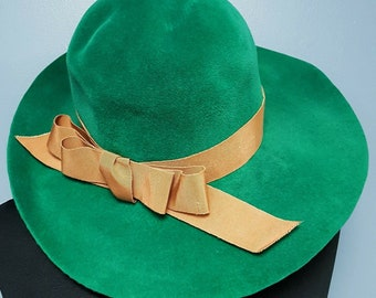 04292da8e71a2c Vintage Women's Morreton Green Felt Wide Brim Hat Made in France Small  Fitting