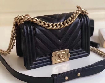 788b62a4cd Chanel Small Boy hand bag (Black)