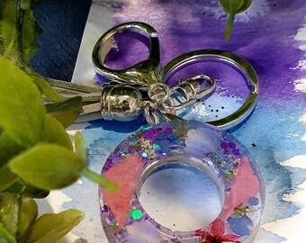 Keychain - Keyring - O - wild flower keyring - flower keyring - wildflowers - botanical keyring  - resin keyring - hydrangea - peony