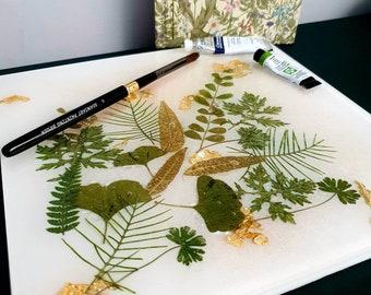 Paint palette, watercolour palette - art palette - placemat - wildflowers palette, wildflower resin mat, resin mat