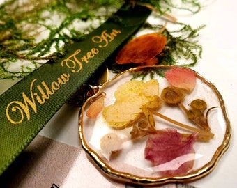 Beautiful buttercup and rose petal necklace -  resin flower necklace - gorgeous pressed flowers necklace - Gold plated.