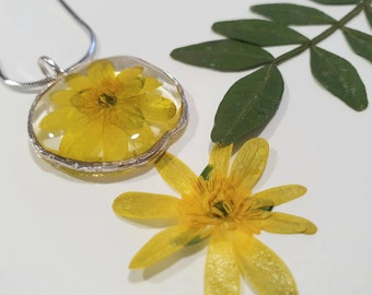Buttercup - yellow resin flower necklace - gorgeous wild flower necklace - sterling silver 925