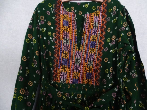 Rare! Vintage Afghan dress with flowers and embroi