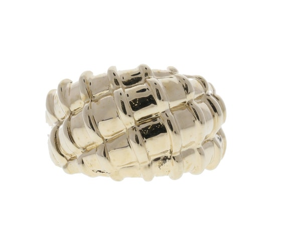 Scallop Style Gold Ring