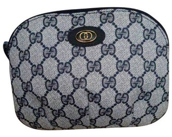 5d532a040bf Vintage Gucci Cosmentic Clutch Bag