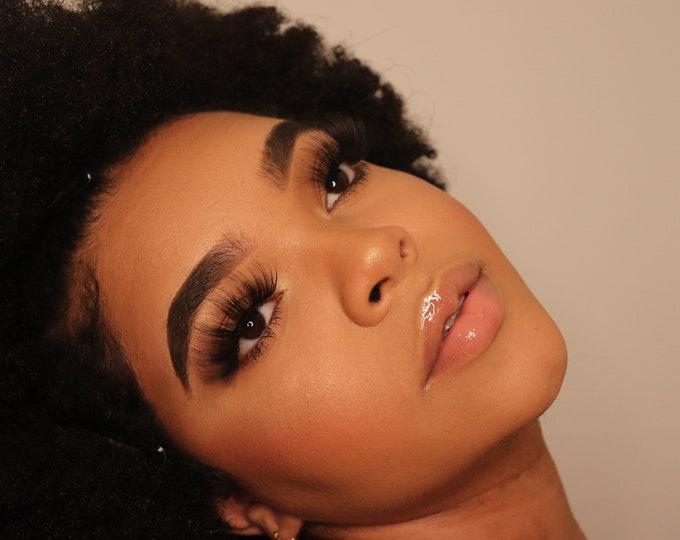 Featured listing image: Eyelashes - Mariposa
