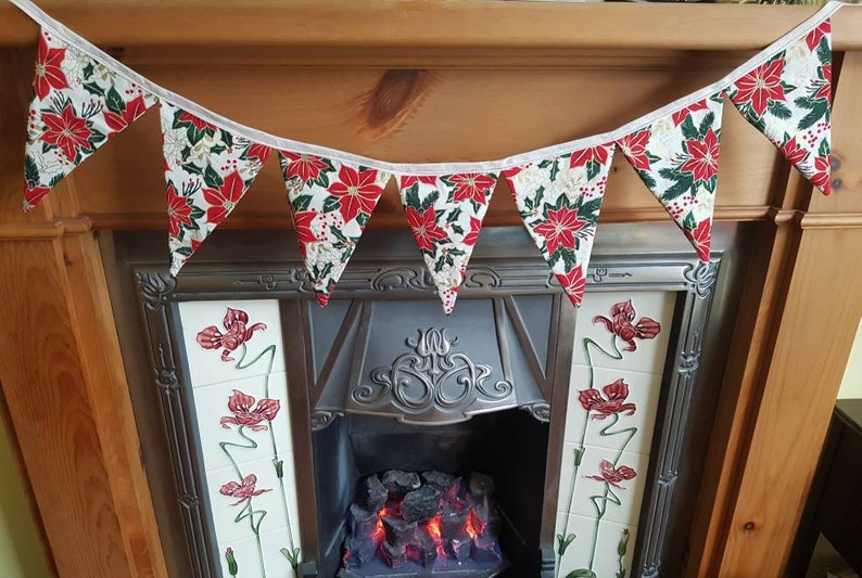 Red,Cream /& Gold Ponsettia Double Sided Christmas Cotton Bunting