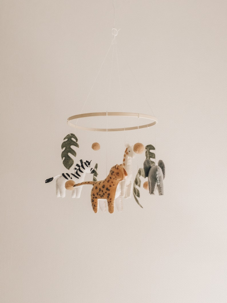 Mobile safari. Animals of the savannah. Made in France. image 1