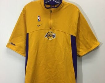 2073d266861 Vintage Los Angeles Lakers NBA Nike Warm Up Jersey Size XL Yellow Gold  Purple