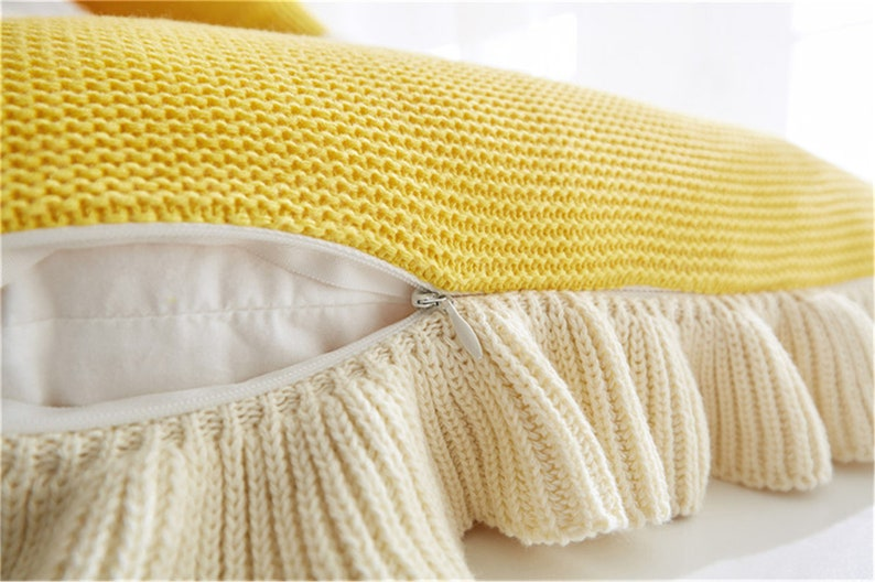 Girl Lovely Cotton Knitted Throw Pillow Covers and Matching Throw Blankets,Flounce Edge Cozy Knit Pillow Covers with Ruffles