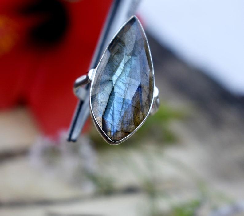 labradorite ring*925 sterling silver ring*blue flashy labradorite ring*handmade girls jewelry*valentine/'s day gift ring*bohemian huge ring