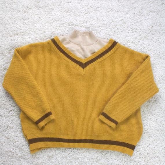 Vintage Cashmere Women's Cropped Turtleneck Sweate