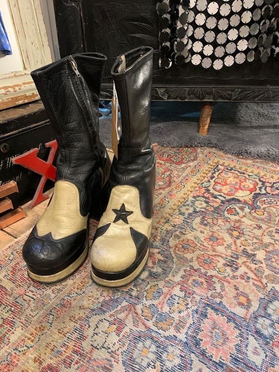 1970s Black Leather Platform Boots with Star
