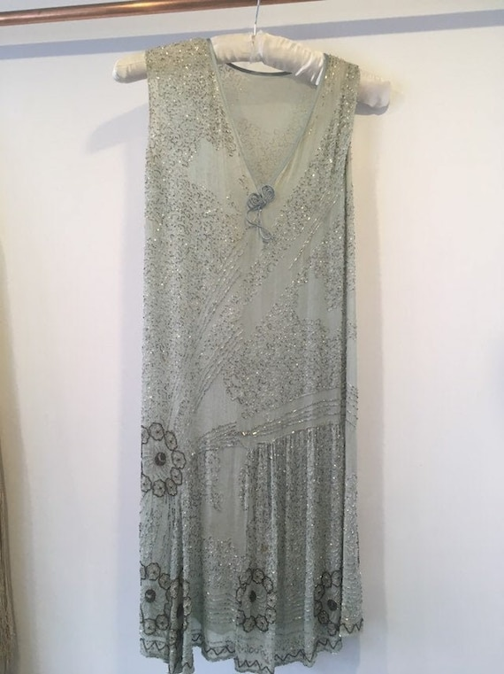 Vintage 1920s Flapper Beaded Dress.
