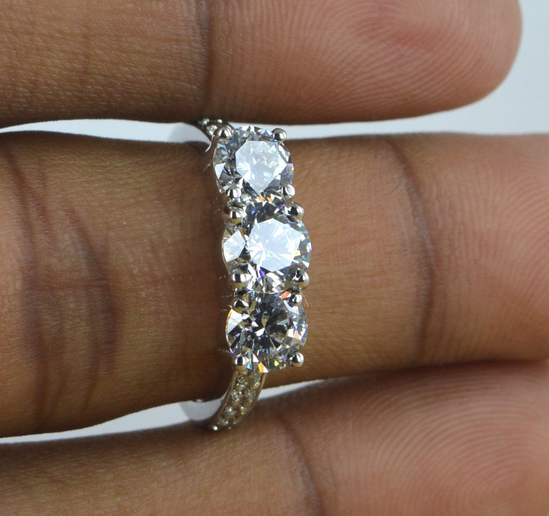 Moissanite Ring Round Cut 14kt Solid White Gold 1.50 Carat Moissanite Solitaire Engagement/&Wedding Ring Anniversary Ring,