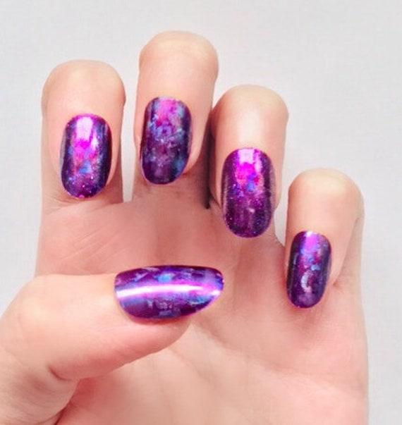 Short Purple Light Reflecting Fake Nails
