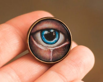 All Seeing Eye, Victorian Pin Badge, Vintage Brooch, in a cabochon style with illustrations 20 mm,